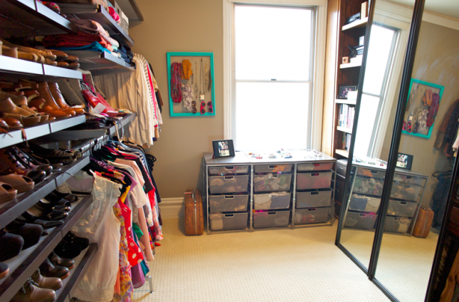 How to turn a room into a walk in closet home decorating ideas - How to turn a closet into a walk in dressing ...