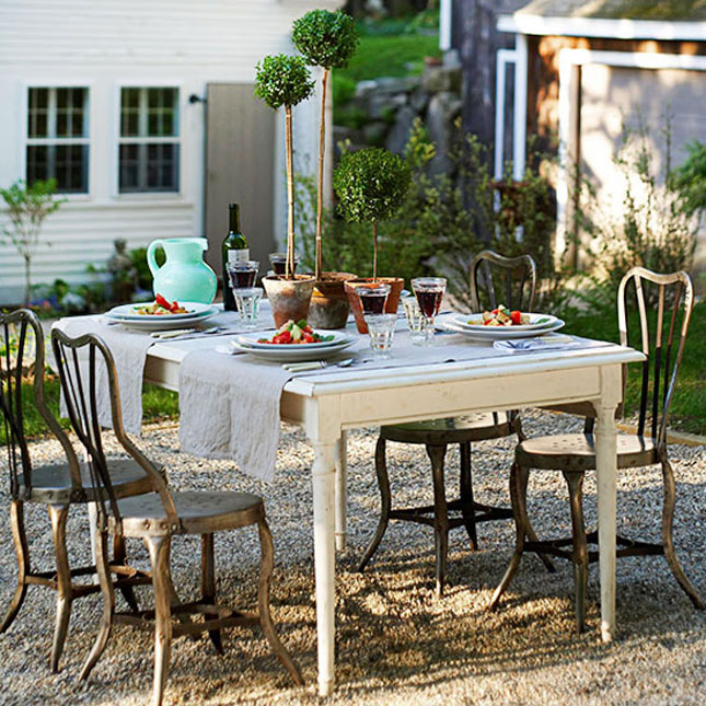 patio or even turn a gravel driveway into a makeshift dining room