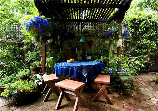 15 idee per arredare balconi terrazzi e verande guida for Idee per terrazzi fioriti