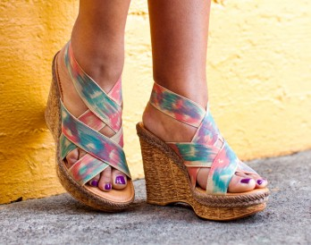 How to Make Your Own Painted Ikat Wedges