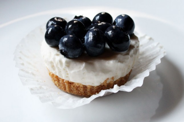... No-Bake Blueberry Cheesecake Cupcakes! Just assemble, chill, top with