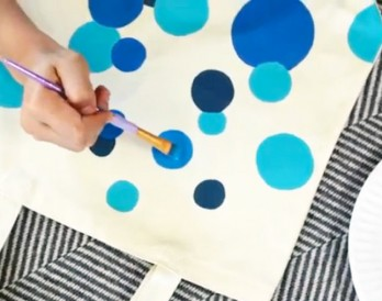 Video: DIY Stenciled Polka Dot Tote