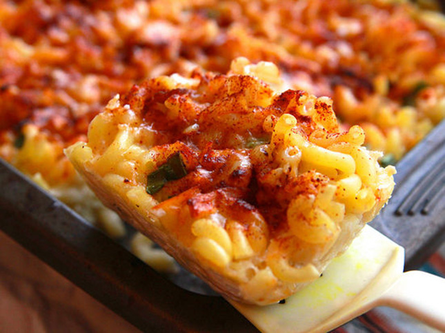 20. Smoky Bacon Mac and Cheese : Clearly we can't get enough bacon ...