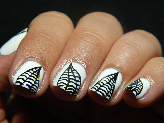 13 Gorgeous and Ghastly Halloween Nail Art Designs | Brit + Co.