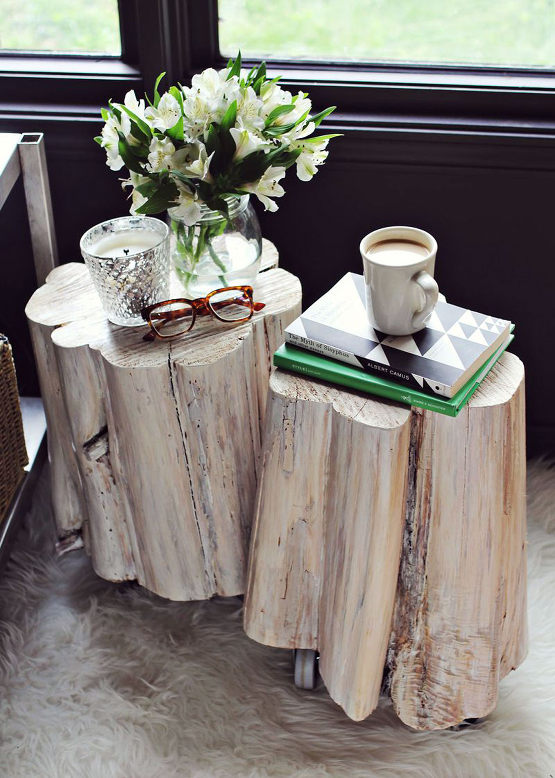 11 gorgeous diy side tables you can totally make brit co for Diy wood stump side table