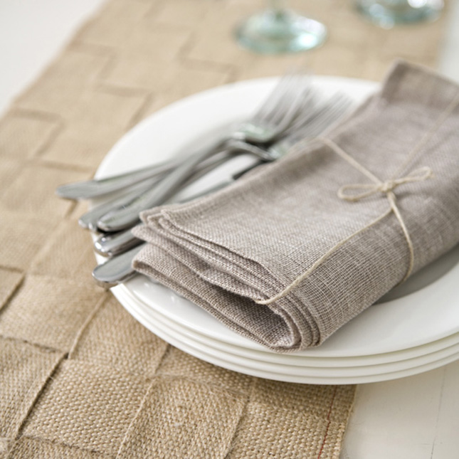 25 DIY Ways to Customize Your Thanksgiving Table as seen on brit.co