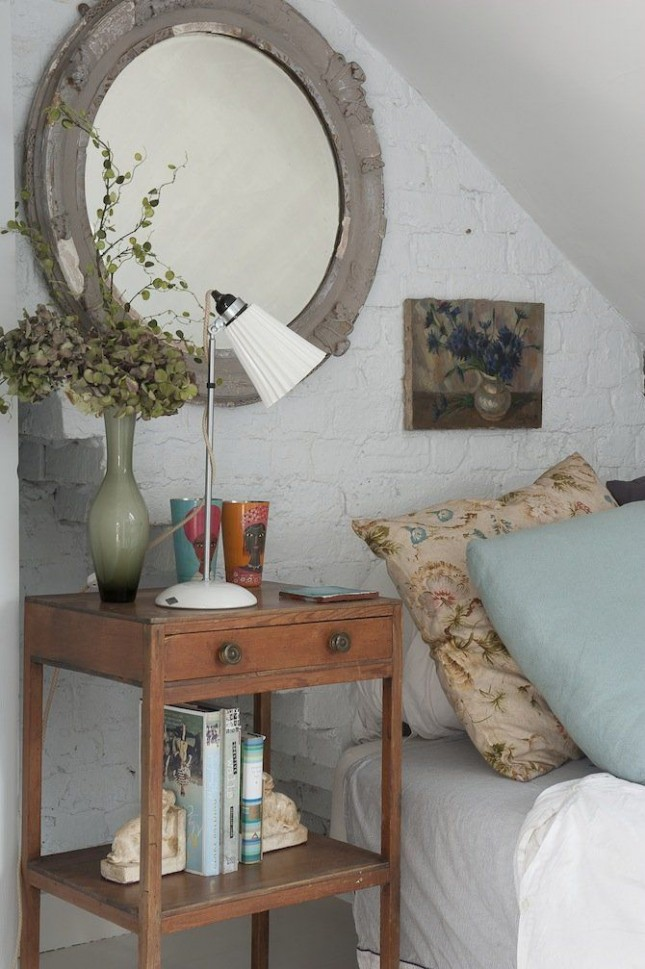 Mirror And Painted Bedside Table: 30 Ways To Style Your Bedside Table