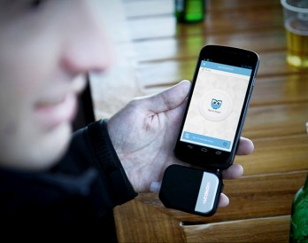 First-Ever Smartphone Breathalyzer Makes You a Smarter Drinker
