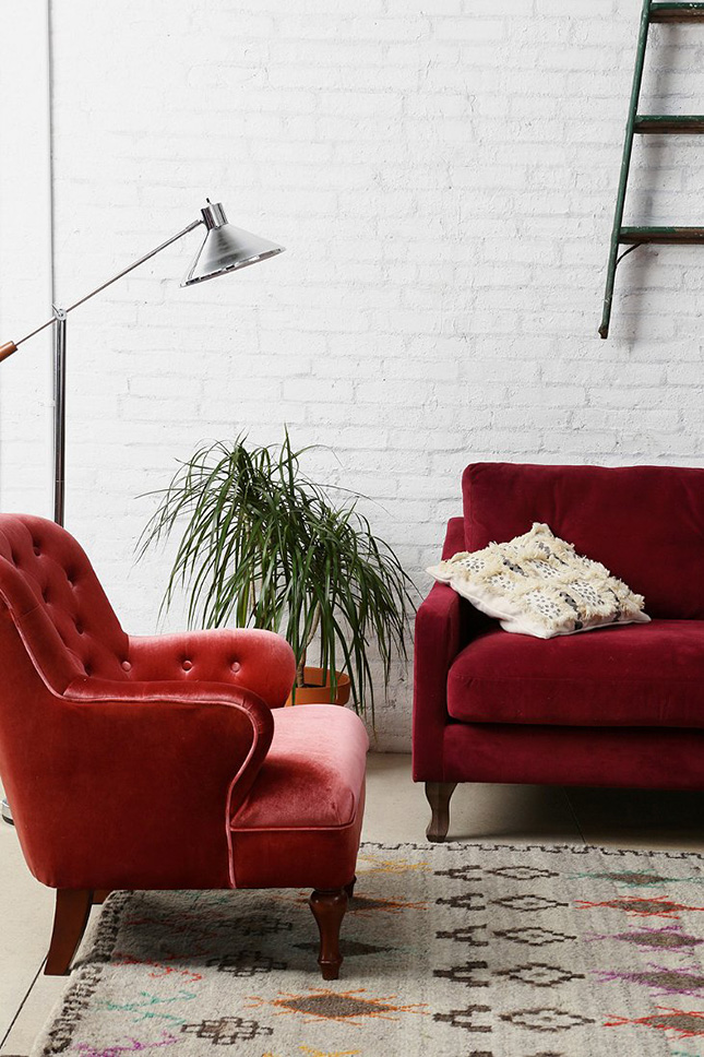 20 Ways To Add Velvet Glamour To Your Home Decor Brit Co