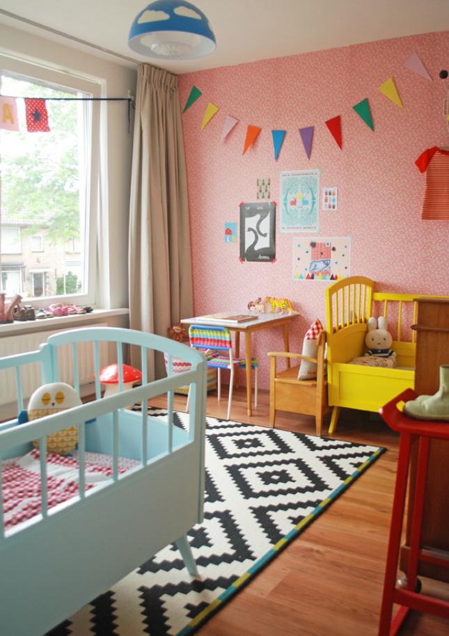 20 crayola colorful rooms for kids brit co. Black Bedroom Furniture Sets. Home Design Ideas